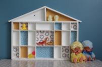 Maisonnette en bois à casiers