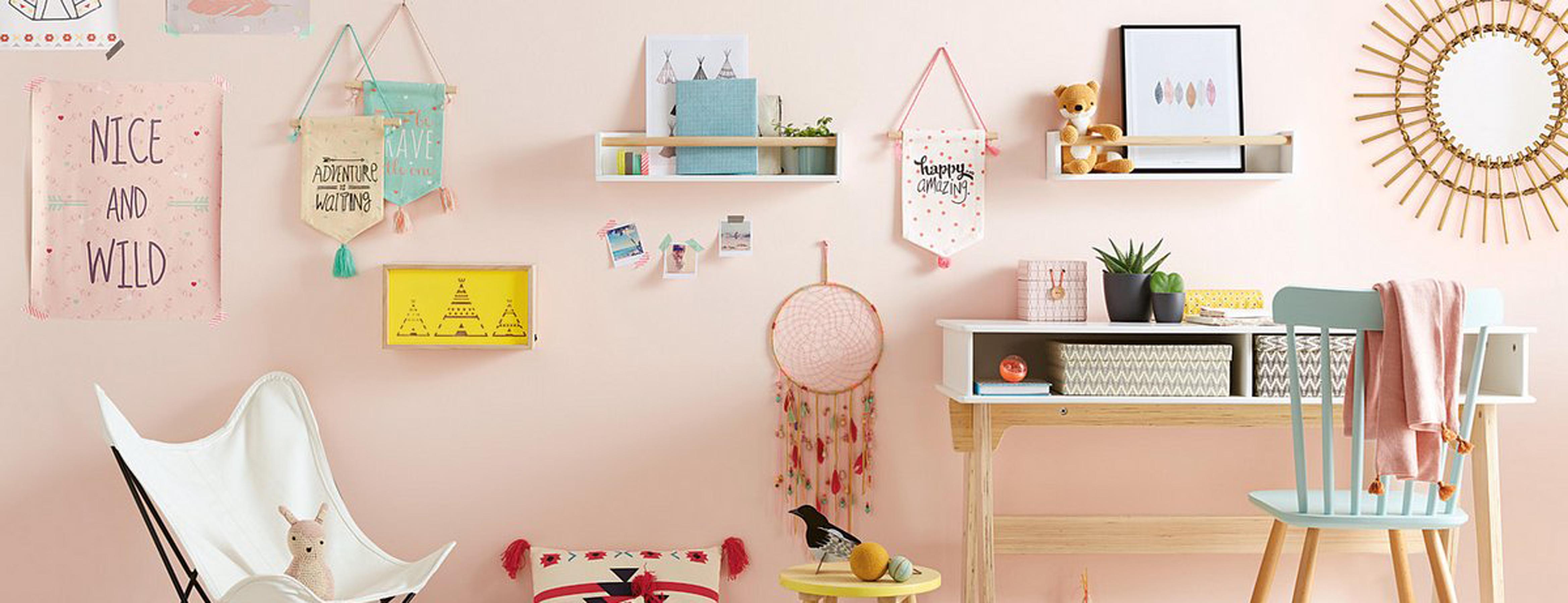 bureau enfant scandinave 002 dans le jardin de petite purpe. Black Bedroom Furniture Sets. Home Design Ideas